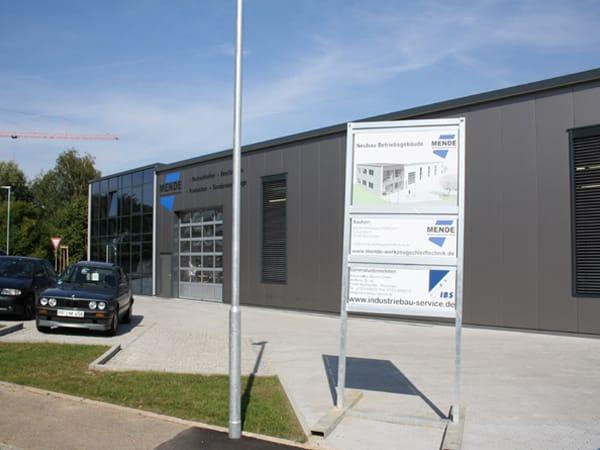 Gewerbebau mit Büro IBS