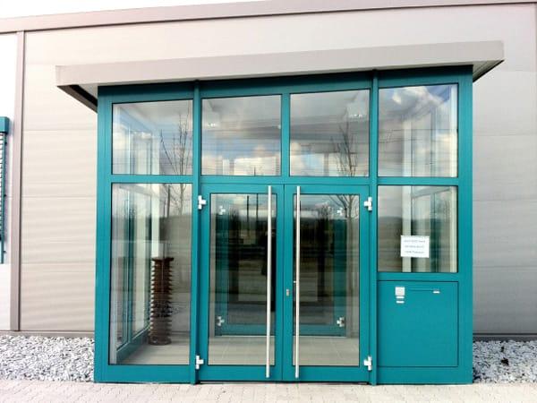 Neubau Betriebsgebäude Eingang