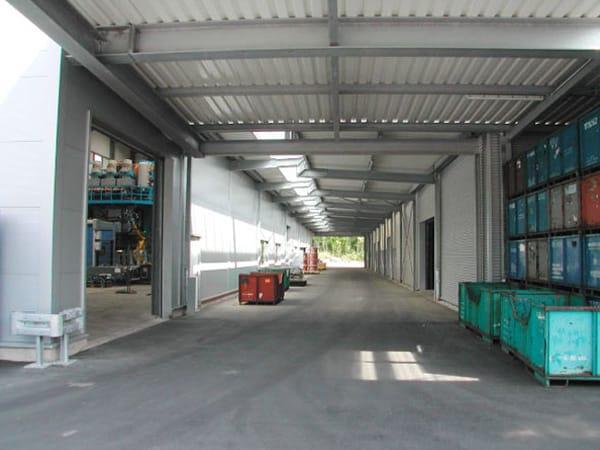 Produktionshalle Vordach