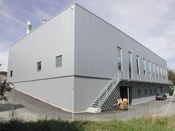 Rottenhofer Produktionshalle mit Büro