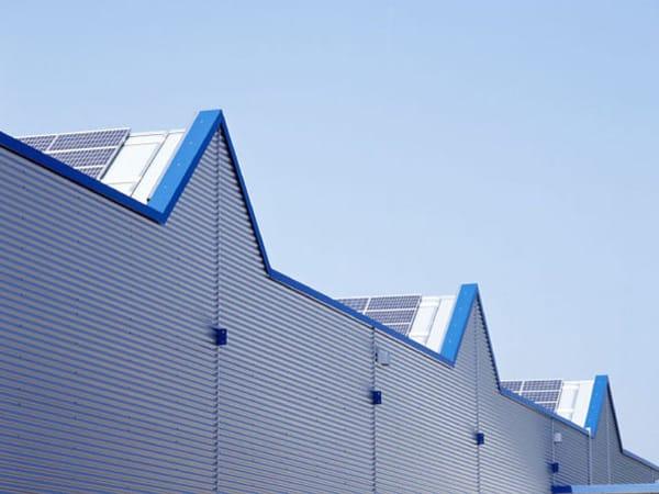 teilschlüsselfertiger Gewerbebau Maschinenhalle