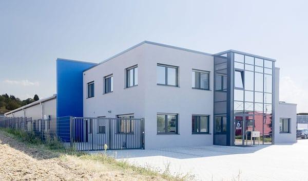 Gewerbehalle mit Bürogebäude Remchingen