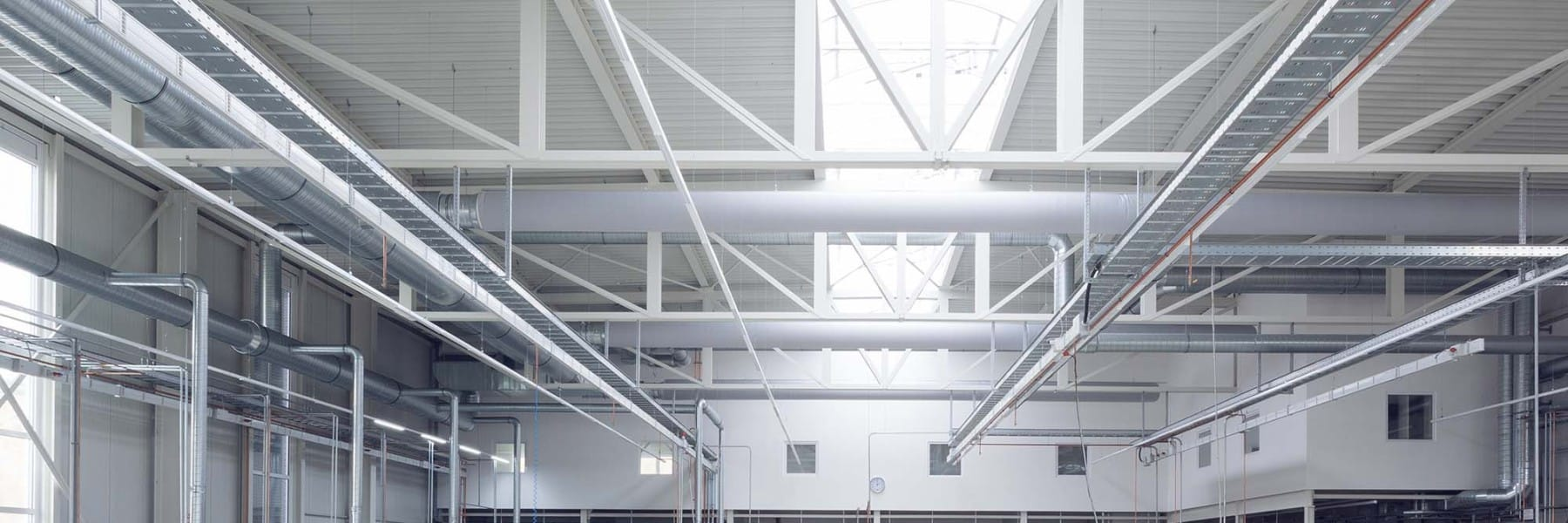 Gewerbehalle mit Bürogebäude Schmid GmbH